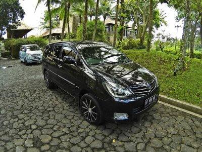 фото Машина с водителем на Бали 3