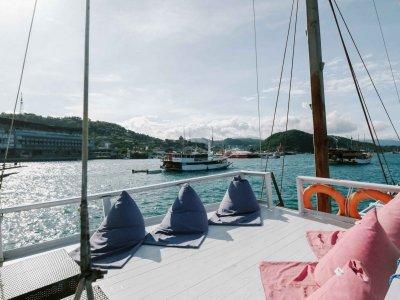 photo Standard boat